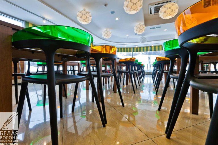 Зал второго этажа ресторана по дизайн-проекту