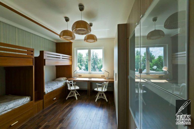 дизайн интерьер рабочего пространства в спальне в контраста тёплых и холодных тонов