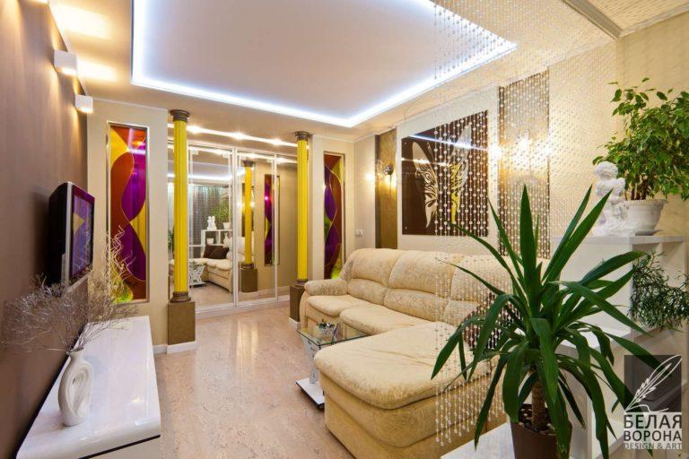 дизайн интерьер холла в с применением золотистых элементов