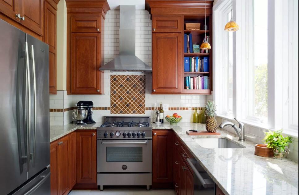 Обустройство небольшой кухни. Современный интерьер.