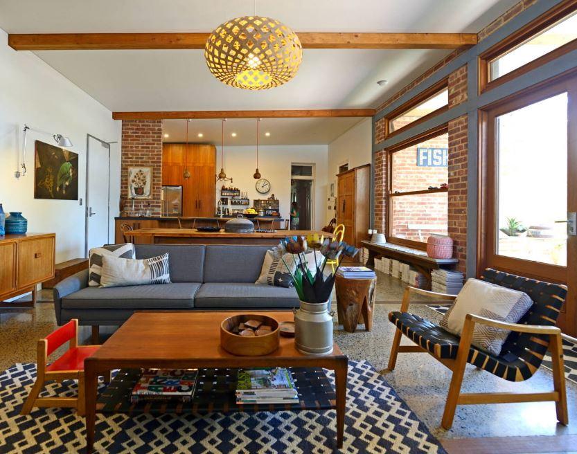 Дизайн-проект просторной гостиной в современном стиле.