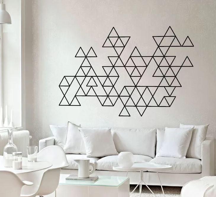 Геометричные элементы в белом интерьере
