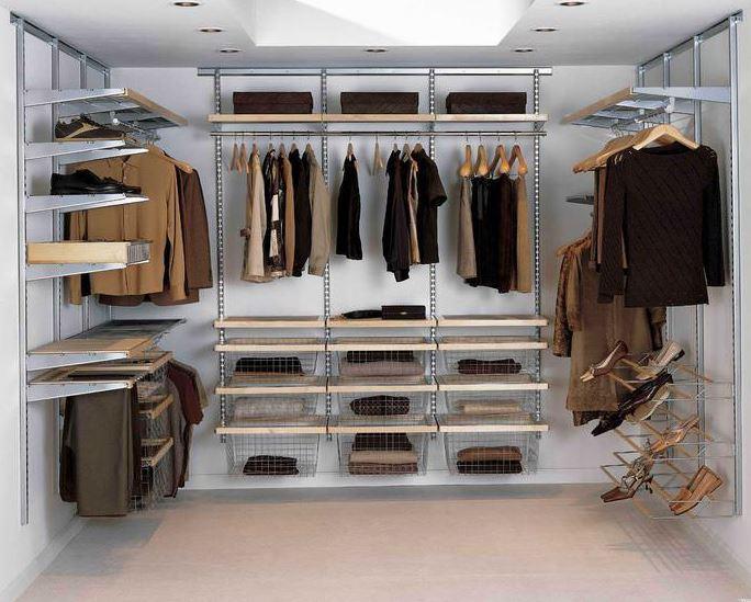 корпусная система для пространства гардеробной комнаты